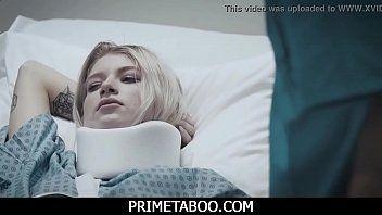 Doutor pervertido comendo a paciente novinha