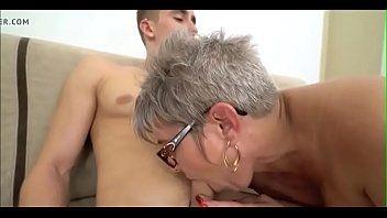 Filme pornográfico senhora safada dando para um novinho
