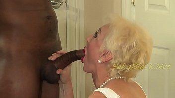 Madame safada levou um negão para a sua casa e fodeu gostoso com ele