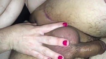 Mulher comendo homem safado na inversão de papeis