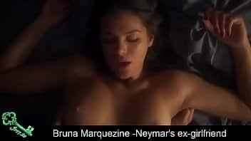 Bruna marquesine em vídeo delicioso que mostra seus peitos lindos