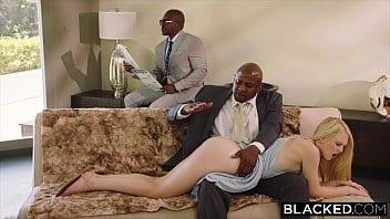 Porno com negão loirinha safada sendo arrombada por dois canalhas