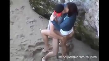 Sexo na praia com a gostosa da minha prima