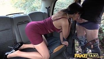 Sexo videos fake taxi com gostosa boqueteira