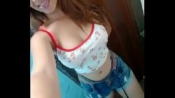 Novinha webcam mostrando a bucetinha para o namorado